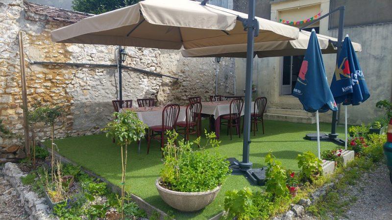 La Terrasse du restaurant Chez Claudia en Seine et Marne